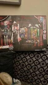 Monster High circus scaregrounds