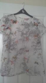 Ladies butterfly blouse size 12