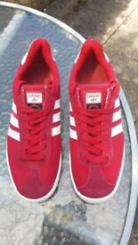 Mens Red Adidas Gazelle Suede Leather Trainers Size 7.