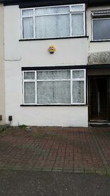 NICE 3 BED HOUSE WITH 2 RECEPTIONS (CLOSE TO STATION)
