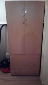 6ft wardrobe with 3 drawers £30
