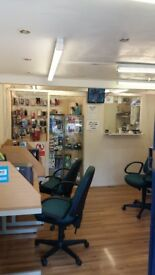 A PROFESSIONAL BARBER OR PHONE REPAIRER TO LET A SPACE