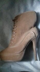 womens size 5 heels all for £20