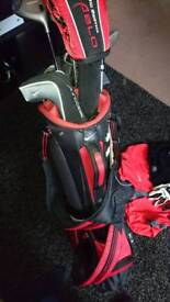 Full set of golf clubs and accesories