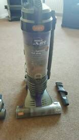 Vax VU90 MA-R Air Reach Multicyclonic Upright Vacuum v keaner