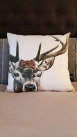 Wraftious stag cushion