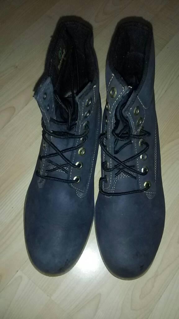 Timberland boots( 2 pairs tan + navy blue )