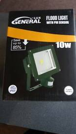 Led security light with Pir