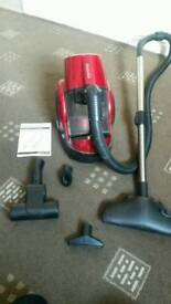 Pro action bagless hoover