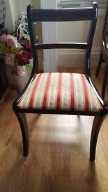 Beautiful 6 x dining chairs in mint conditions like new !!