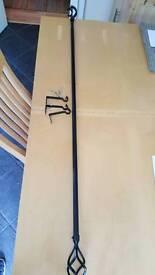 Extending bedroom curtain pole