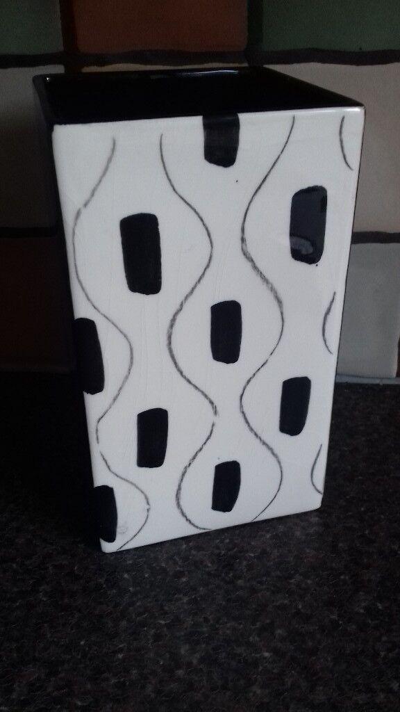 Funky Black White Vaseornament In Market Rasen Lincolnshire