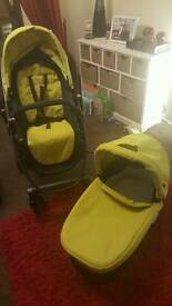 Graco evo in limegreen with main seat and carrycot