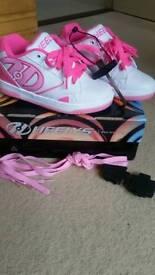Girls heelys size 1