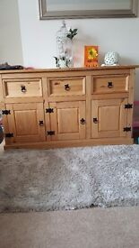 gorgeous sideboard,only a year old only selling as no room in new home