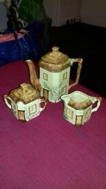 Keele st pottery set