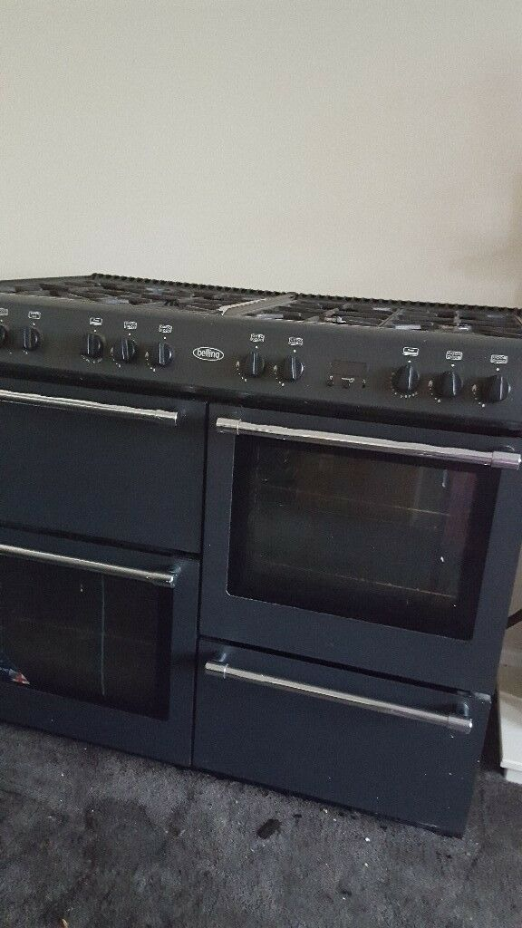 black belling gas cooker with brand new matching chimney hood
