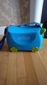 Trunki child's ride on suitcase