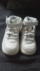 Size 7 White kids Air Force hightops