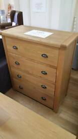 Solid oak chest of drawers 4 drawers
