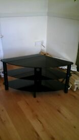 Corner tv tiered tv stand good condition 39in wide, 19in deep, 19in high.