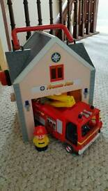 Fireman Sam's station and truck