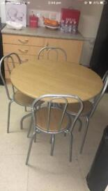 Medium size dinning table, hardly used. Excellent condition PICK UP ONLY