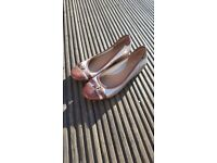 AS NEW CLARKS WOMEN SHOES SIZE 6