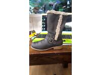 Clarks boots size 1G