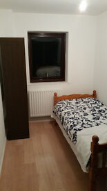 Single room for girls in a shared flat, Waltham Cross