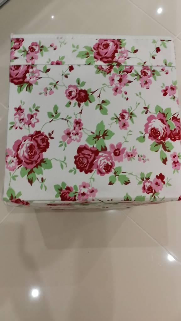 Storage Box - Flower Pattern