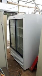 refrigerateur commercial