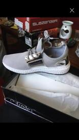 Brand new black white and grey size 4