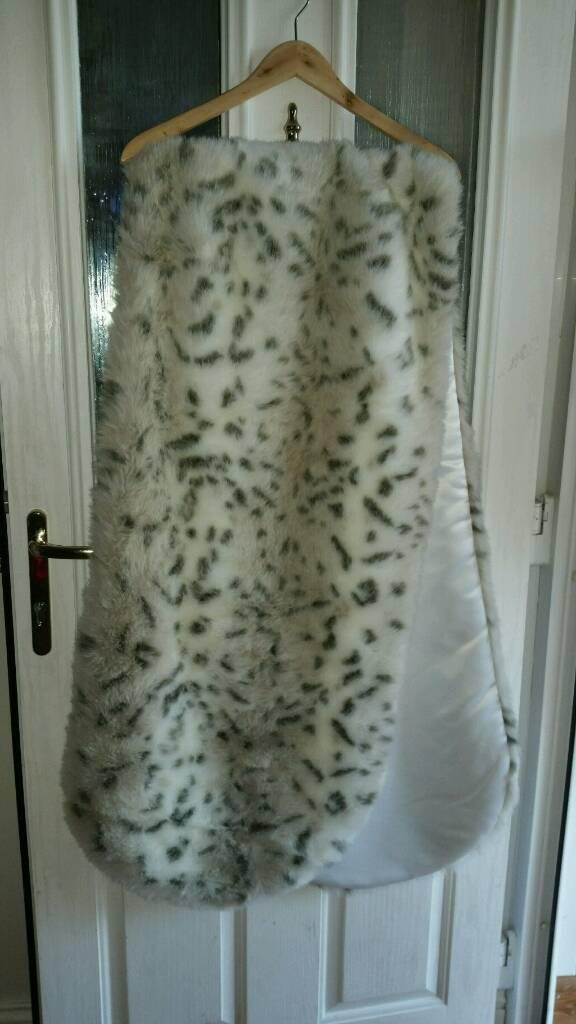 Luxury Bridal Faux Fur Wrap