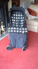 Mams & Papas Sola2 Pushchair with detachable car seat - Black & white