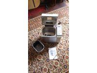 Russell Hobbs 22720 Breadmaker Cream / Silver