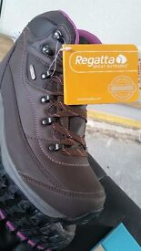 Ladies regatta isotex walking boots