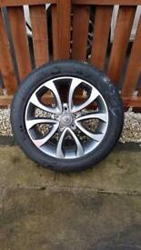 Nissan Juke Tekna 17 Alloy Wheel With Original Bridgestone Tyre Genuine Part