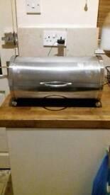 Silver retro kitchen items