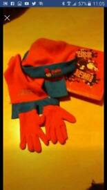 Dennis the menace art set & hat, scarf & gloves set great for any fan