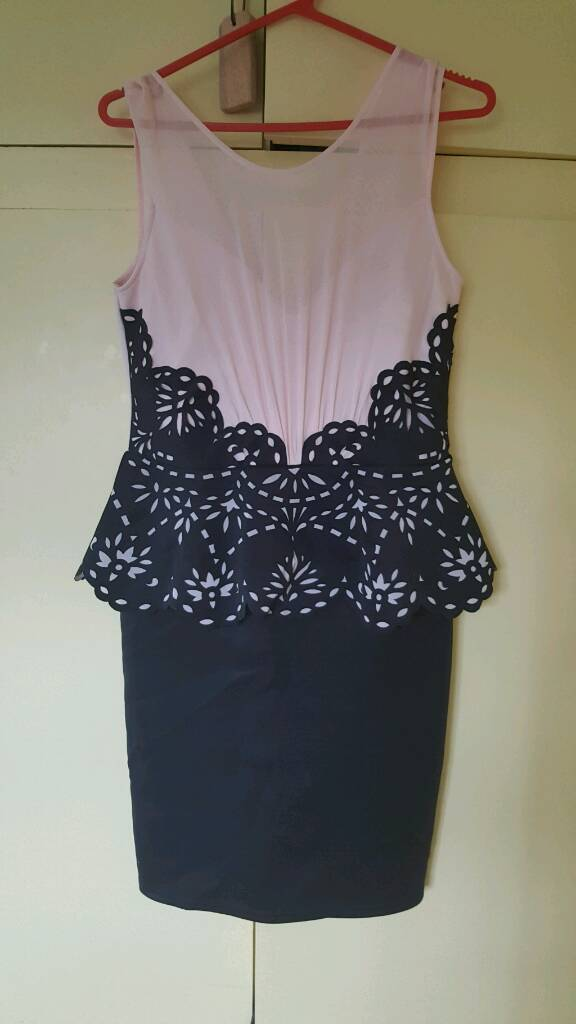 Lipsy dress size 14in Bordon, HampshireGumtree - Lipsy dress, worn once. Excellent condition Size 14. Hangs just below the knee Paid £60 for it.Can post if postage costs paid