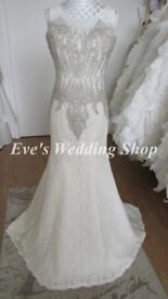 Beautiful lace designer wedding dress UK 6/8
