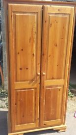 pine wardrobe good condition only £25