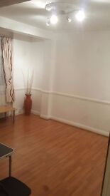 *3 BED PROPERTY WITH PRIVATE GARDEN TO LET*