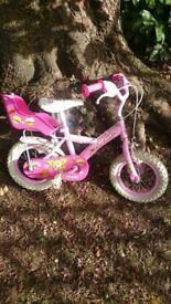 Girls bike (3-5yrs approx). 12inch wheels. Perfect first bike. All in good working order.
