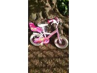 Girls bike (3-5yrs approx). 12inch wheels. Perfect first bike. All in good working order.