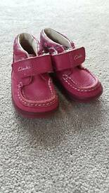 Clarks 4F pink boots