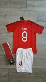 2018 ENGLAND football kit 6-13 years