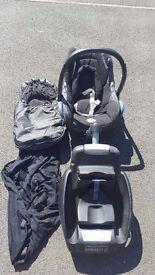 Maxi Cosi Cabriofix Seat, Footmuff, Raincover, Easyfix base, Koodi Sunshade