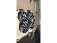 "Set of 19"" Nissan alloy wheel"